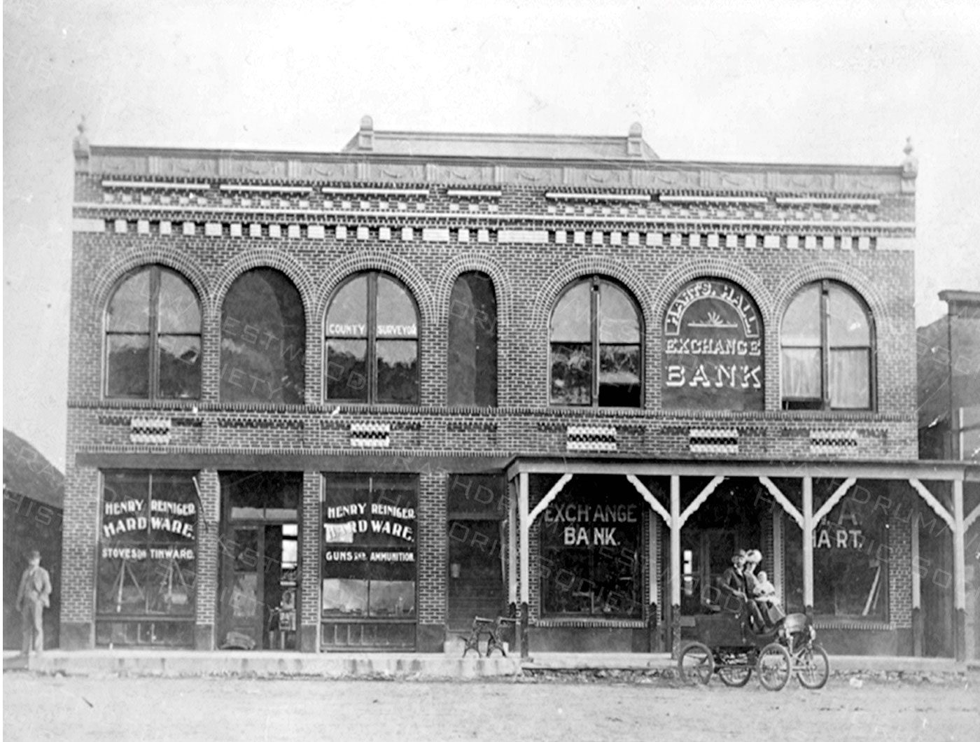 Rathdrum Hardware and Banks